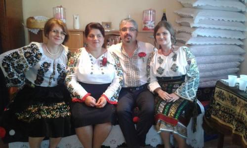 Nasii si domnisoarele de onoare Bucovina Calafindesti 2016